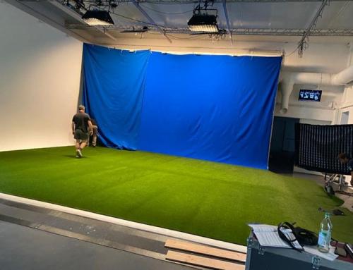 Heute dürften wir für einen TV Spot unseren Kunstrasen verlegen