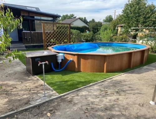 Unseren Kunstrasen könnt Ihr selbstverständlich auch am Pool einsetzen
